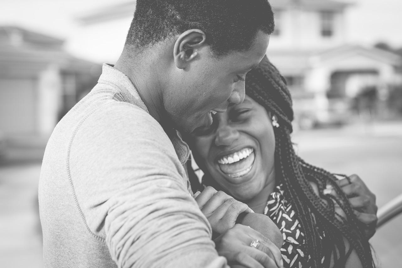 女性の脈ありサインとは!男性が会話や行動で女性の好意を見抜く方法