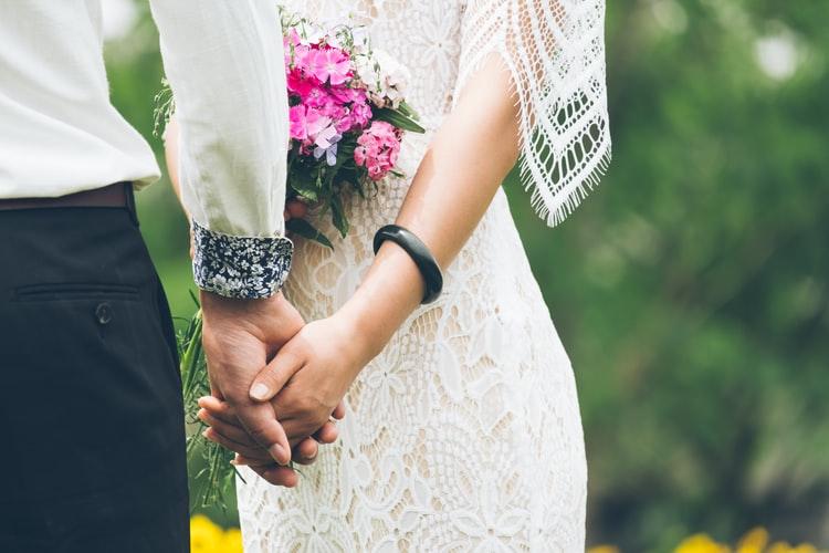 男性が結婚を決めるタイミング!きっかけや結婚を決断しない心理とは