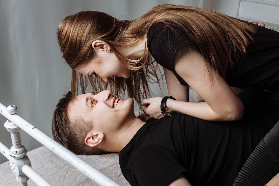 尽くす女の心理と特徴!尽くす女は彼氏に愛される?捨てられる?